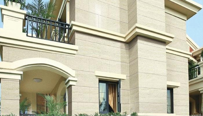 Building with travertine stone
